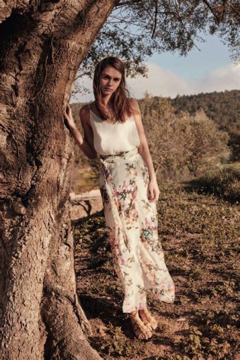 Gaun Dress Zara Putih Motif Bunga inspirasi busana ramadan bunga bunga dari desainer kelas