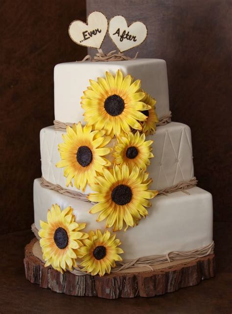 Memorable Wedding: Serve a Sunflower Wedding Cake To