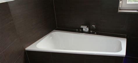 schwarze badewanne badewanne mit schrze top badewanne x mit schrze with