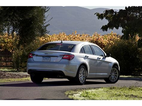 2014 chrysler 200 review 2014 chrysler 200 prices reviews and pictures u s news