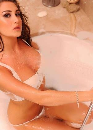 bathtub photo shoots chloe goodman bath photoshoot 08 gotceleb
