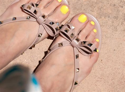 Yellow Black Jelly Flat Shoes 38 valentino rockstud jelly sandals w neon yellow toes