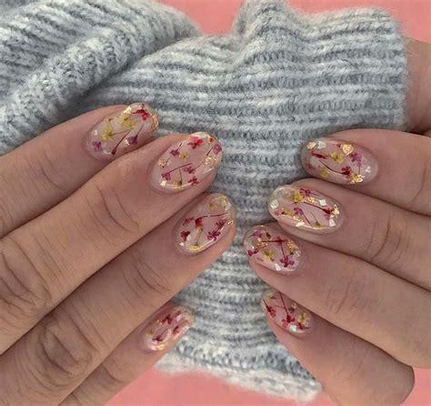 unghie con i fiori unghie gel con i fiori per la primavera idee e foto per