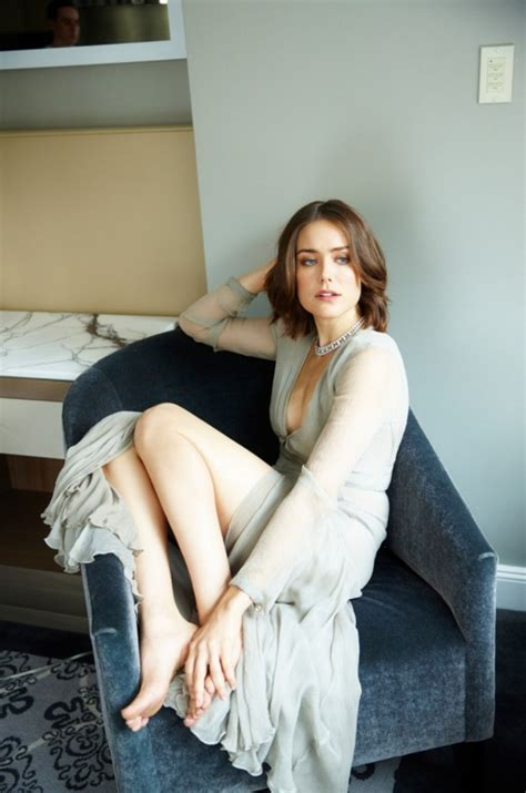 who the fbi women on the blacklist hottest woman 2 1 15 megan boone the blacklist king