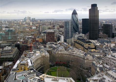 amazon london amazon to open digital media office in the capital