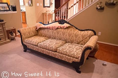 how to reupholster an antique sofa 25 best ideas about vintage sofa on pinterest grey sofa
