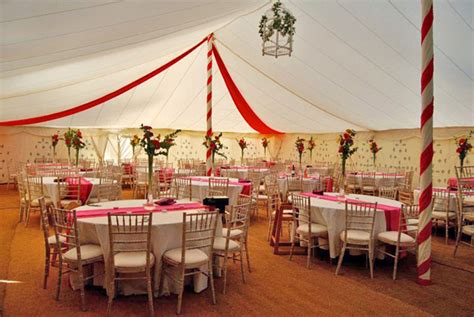 marquee decoration articles easy weddings how to decorate your wedding marquee confetti co uk