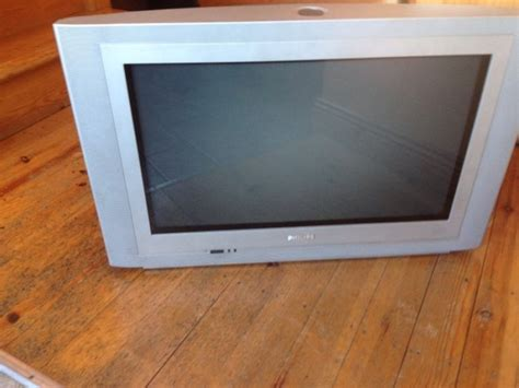 26 Inch Stand 26 Inch Phillips Tv Stand Stand Damaged Hence The