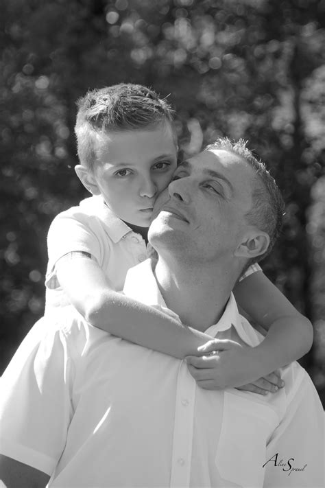 bisous-enfant-papa – Photographe Aline