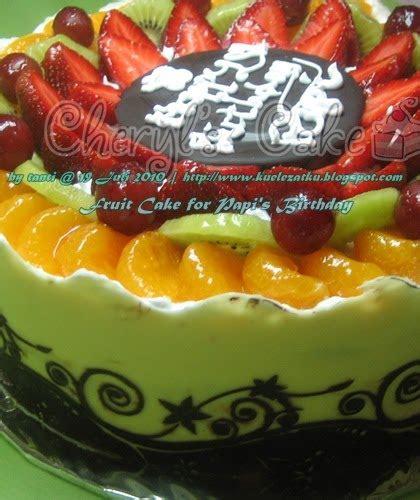 kue ulang  anak cupcake birthday cake fruit cake