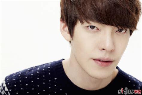 hot korean actors news 2014 fans pick the top 10 korean actors and it s not who the
