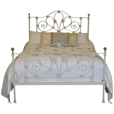 cast iron headboard 25 best ideas about cast iron beds on pinterest