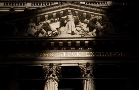 global stocks drop yen strengthens as growth worries