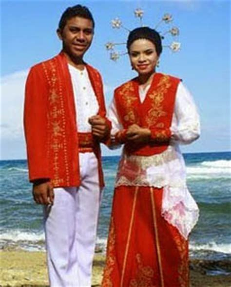 Baju Adat Maluku Modern 34 pakaian adat indonesia gambar nama tabel dan penjelasannya bagian 5 adat tradisional