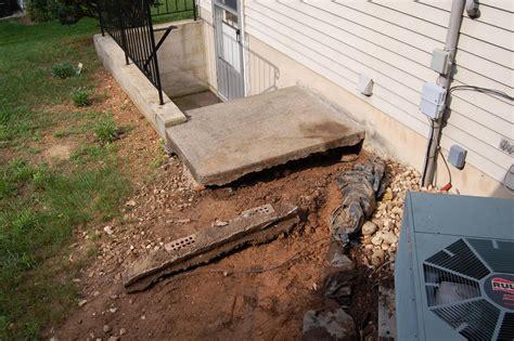 help cave underneath concrete steps diy home