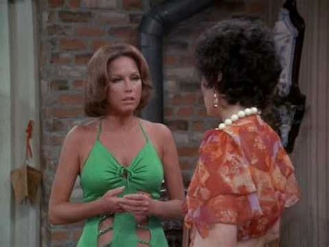 25 best ideas about mary tyler moore show on pinterest mary tyler moore show 5 of the best moments