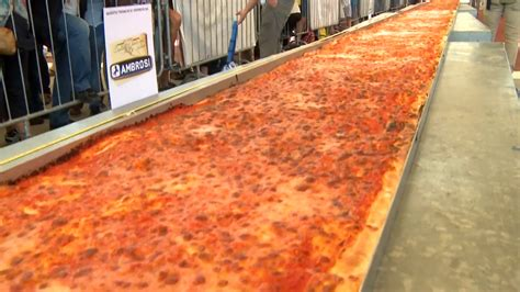 world s italy serves up world s longest pizza nbc news