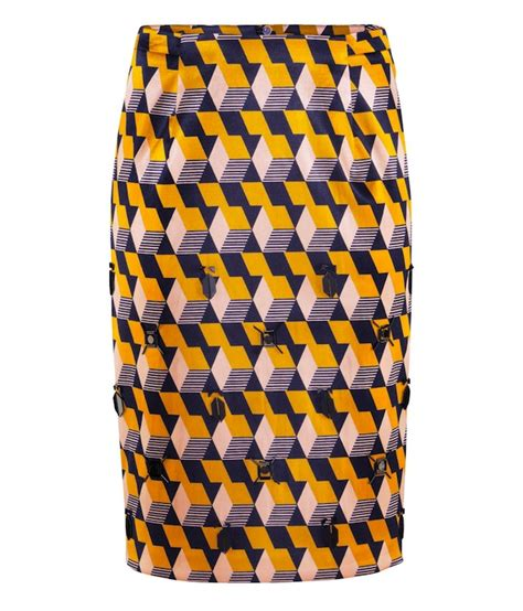 Yellow Pattern Pencil Skirt | solange knowles dj s wearing h m yellow patterned silk