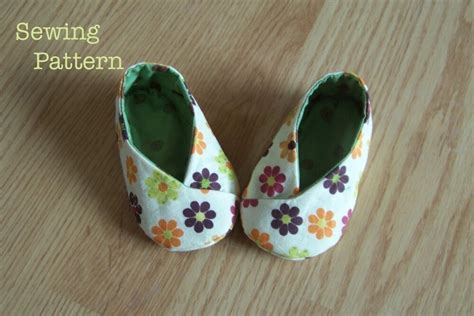 diy baby shoes diy baby booties tutorials and free patterns frugal
