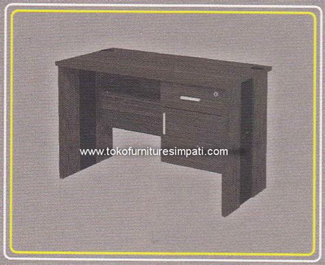 Meja Kantor Md 1675 uno office furniture penyekat partisi kantor murah harga