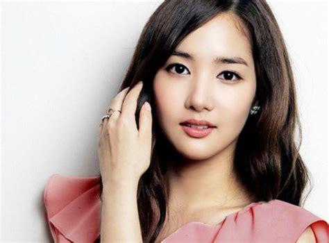 Azkia Syari top 12 most successful korean actresses