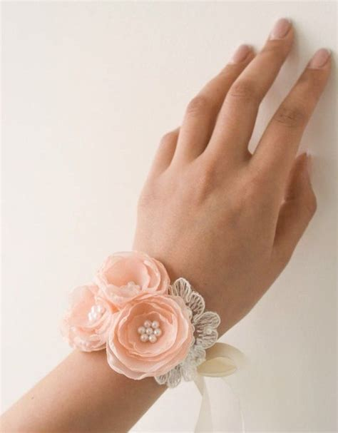 Korsase Wedding Braidsmate 43 best images about prom flowers 2015 on corsage and boutonniere prom corsage and