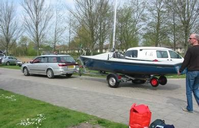 trailer open zeilboot boot op de trailer efsix open zeilboot powered by e