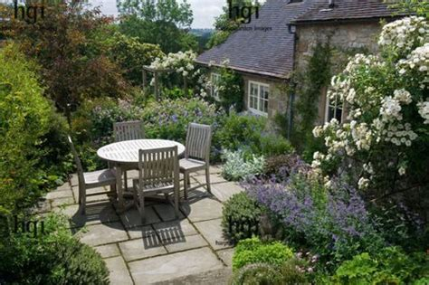 cottage patios 25 best ideas about cottage patio on country