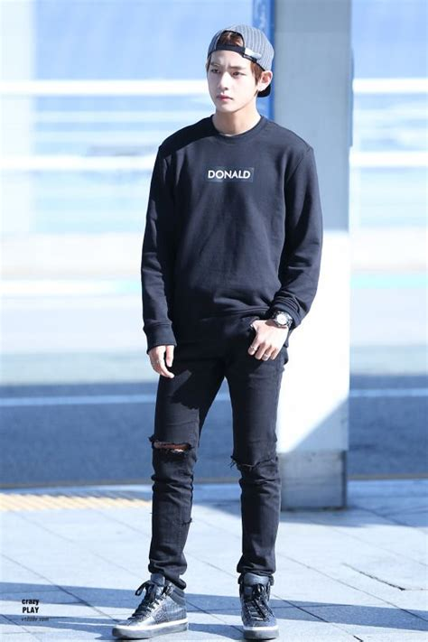 kim taehyung clothes airport bts v kim taehyung bangtan bangtanboys bts