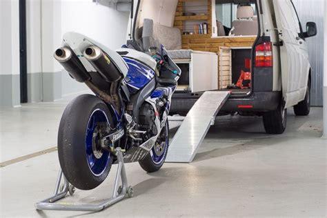Motorrad Transport Im Wohnmobil by Vw T5 Transporter Cingbus Ausbau Mit Motorrad Cer