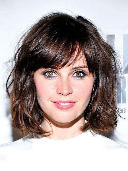 attractive short wavy hairstyles  women