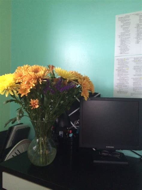 Desk Flowers by 6 Ways To Dramatically Improve Your Bar Study Space