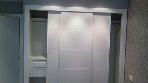 como hacer un armario empotrado con puertas correderas foto armario empotrado 3 puertas correderas de