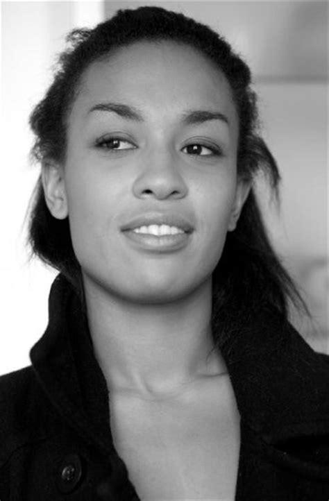 Marina MONMIREL- Fiche Artiste - Artiste interprète
