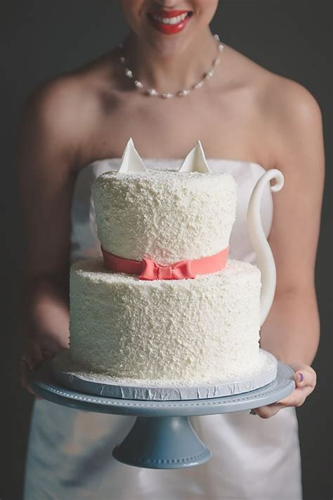 Bridal Cakes Pictures by Playful Cat Cakes For Feline Obsessed Brides Mon Cheri