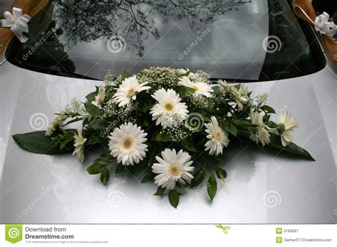 Wedding Car Bouquet by Bouquet On A Wedding Car Royalty Free Stock Photography