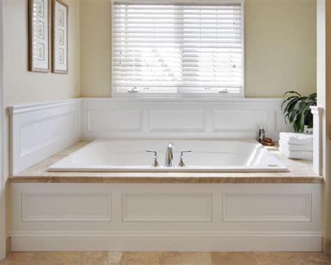 Wainscoting Around Tub by Wainscoting Around Tub Bathroom Ideas