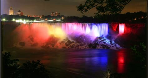 niagara falls light show 40 night view pictures of niagara falls