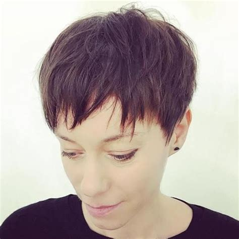 very short razor cut hairstyles 17 best ideas about razored bob on pinterest razor cut