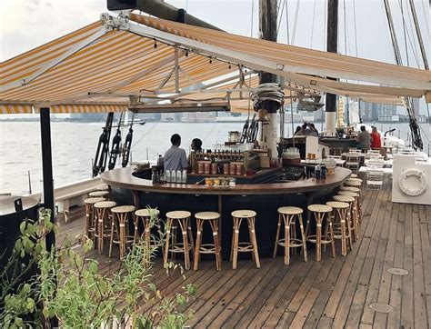 top 10 nyc bars booze with views the 10 best waterfront bars in nyc