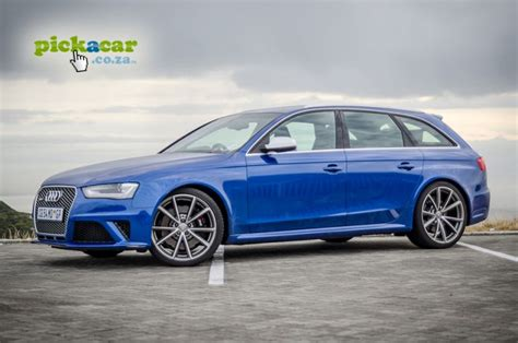Audi RS4 Avant Review: Not an ordinary stationwagon ... Audi Rs2 Mobile