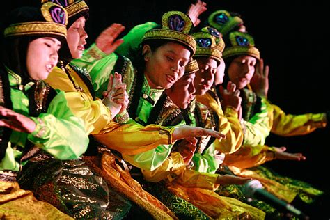 Suku Aceh ~ TUNTUNGAN BLOG