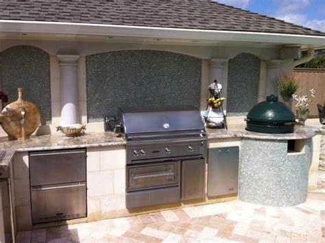 outdoor kitchen cabinet ideas pictures ideas from hgtv outdoor kitchens hgtv