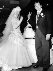 arnaz died actress lucille ball and cuban bandleader actor desi arnaz were married for twenty years before