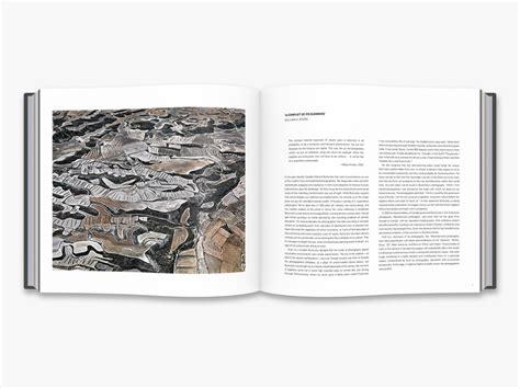 libro edward burtynsky essential elements edward burtynsky essential elements deluxe edition