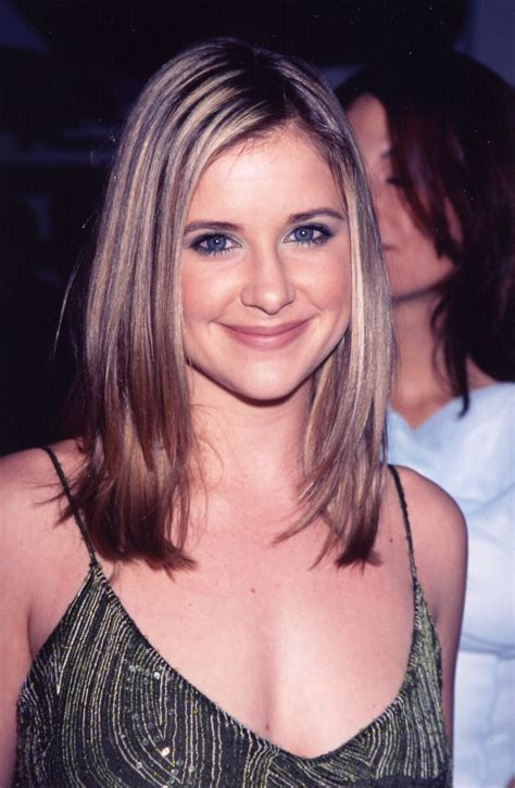 kellie martin bob hairstyle pictures 1000 images about kellie martin on pinterest martin o