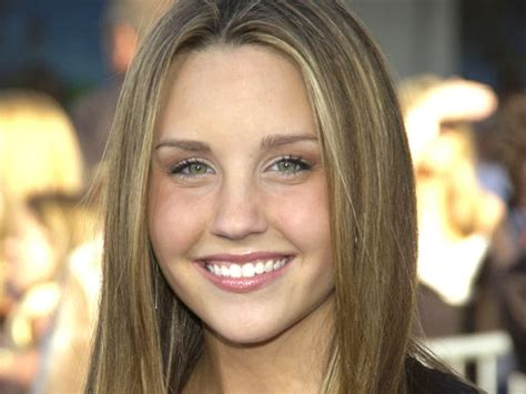 Set 4in1 Amanda amanda bynes flees apartment after threatened with eviction for pot