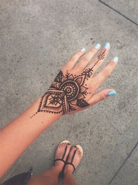 tattoo hand pinterest hand henna designs tumblr google search mehndi