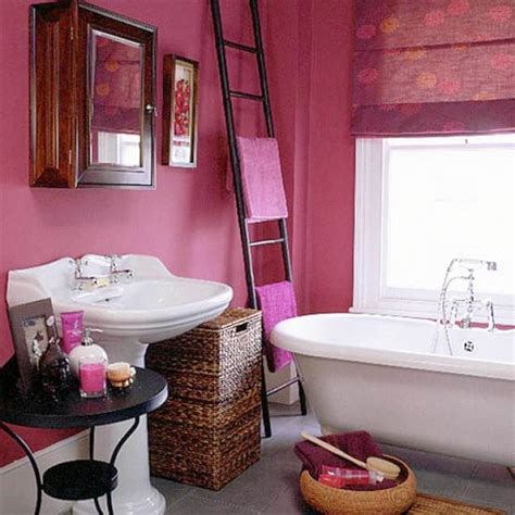 bathroom decorating with old ladder interior decorating with wooden ladders creative room