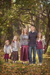 color schemes for family photos family clothing ideas for family